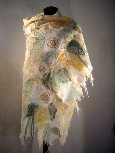 """Yaga shawl from the collection of shawls """"Marquise De Pompadour"""""""