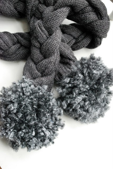 Love this idea to reuse old sweater to make a scarf! #upcycle