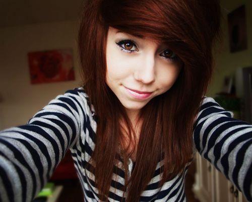 Cute Emo Girls with a Ponytail | Zobacz zdjęcie dziewczyna ruda grzywka na bok ;*** w pełnej ...