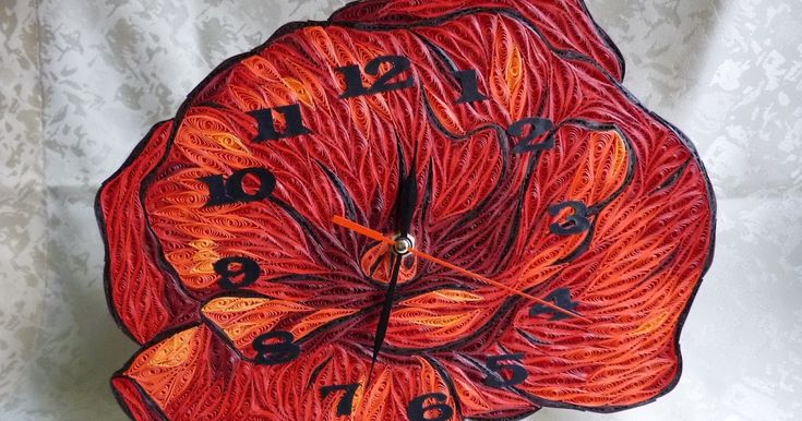 pipacs alakú óra quillinggel / quilled poppy clock