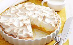 12 porties 45 minuten Citroen Merengue Taart is een leuk recept om eens te proberen. Toegegeven, het is geen gemakkelijk recept. Mijn eerste poging was bijvoorbeeld mislukt omdat ik de vulling niet lang genoeg heb laten koken. Maar met een beetje geduld maak je een heerlijke taart! Veel bakplezier! Ingrediënten 1 taartbodem 325gr kristalsuiker 65gr …