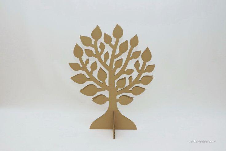 Картонное дерево с листочками, которое можно украсить с помощью красок или аппликации. Может стать отличным дополнением к нашим домикам или украшением интерьера.  Дерево склеено из двух...