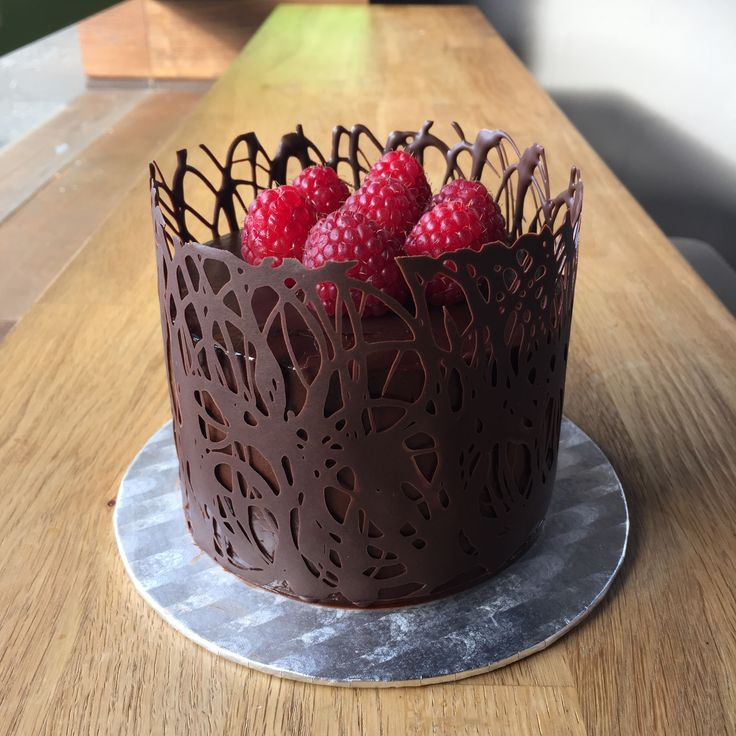 Ein weiteres Bild von valentines day chocolate raspberry mousse cake Valentines Day Chocolate Raspberry Mousse Cake