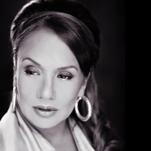 17 beste afbeeldingen over Female singers - Dutch op ...