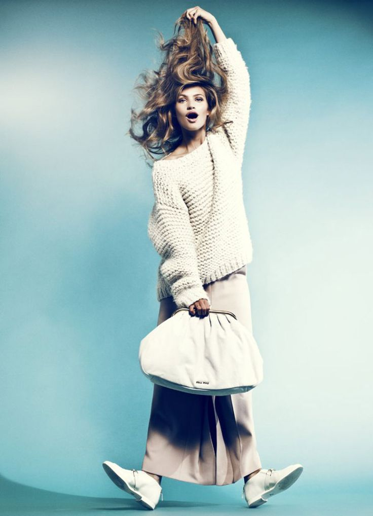 : Shopping Bags, Style Inspiration, Bag Photography, Fashion Inspiration, Fashion Photography, Big Sweater