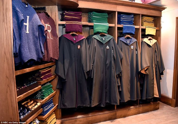 Have you been sorted? The four Hogwarts school uniforms of Gryffindor, Ravenclaw, Hufflepuff and Slytherin can be bought in the park