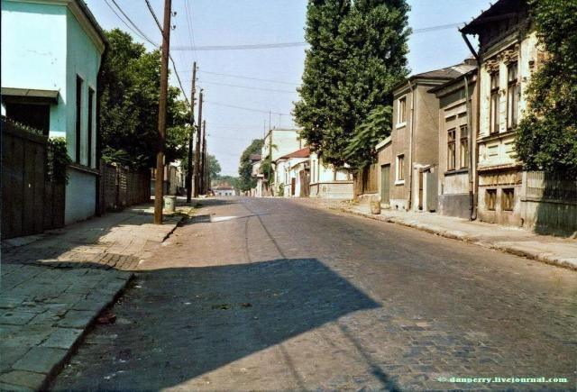 GALERIE FOTO - O lume disparuta: Cartierul Uranus din Bucuresti - Tai-Tai.net