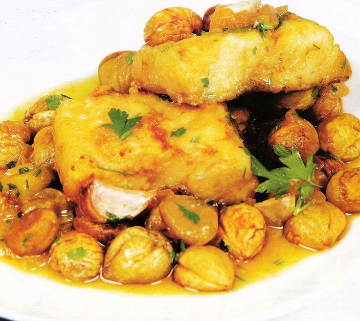 Receita de Bacalhau Assado no Forno com Castanhas - http://www.receitasja.com/receita-de-bacalhau-assado-forno-com-castanhas/