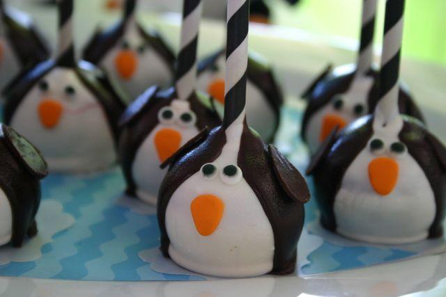 Penguin cake pops #cakepops #penguins