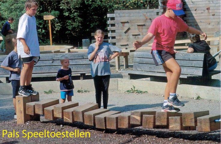 evenwichtsbalk van Pals Speeltoestellen www.speeltoestellen.info