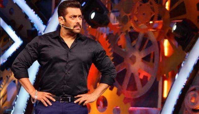 'Bigg Manager 11' Weekend Ka Vaar: Salman Khan kicks Priyank Sharma out of the home! https://goo.gl/TQTuie