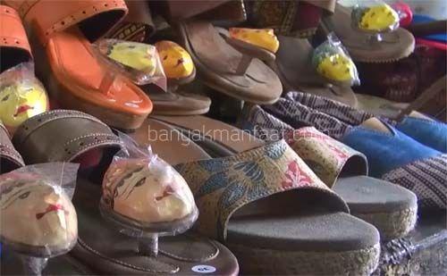 Kreasi Unik Sandal dan Sepatu Topeng
