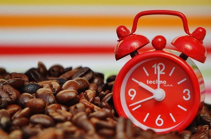 Néha, a napi rohanásban nagyon ritkán van egy kis idő arra, hogy elgondolkozzunk a kávészünet hagyományának vagy az italnak az eredetéről.Erről az italról számos legenda és népi hagyomány kering. Ezek közül van olyan, amelyik azt állítja, hogy már Homérosz idején, Trója városában használtak kávét. Ezzel szemben az első európai kávé ...