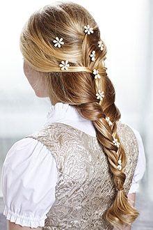 Step-by-Step-Styling: Frisuren fürs Oktoberfest - Frisuren & Haare - COSMOTY.de