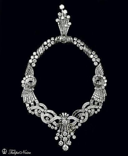 Queen Farida of Egypt's necklace