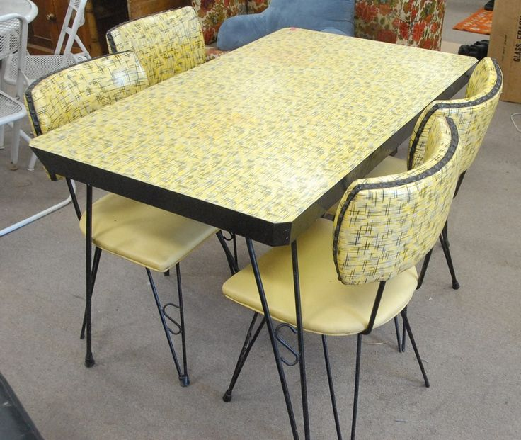 Top 25 ideas about vintage kitchen tables on pinterest - Table cuisine retro ...