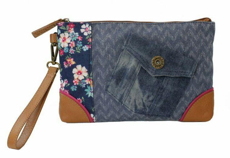 Bolso de mano en vaquero con estampado floral. Un amor!