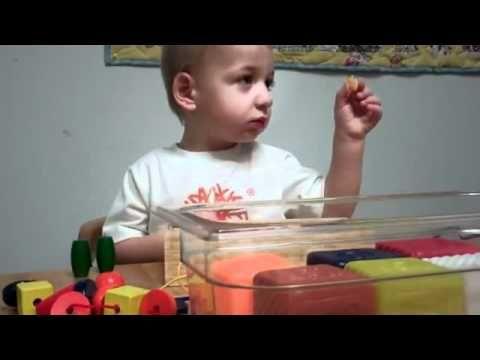 La première fois qu'il entend la voix de sa maman à 2 ans http://www.15heures.com/videos/premiere-fois-quil-entends-voix-maman-2-ans-1078.html #CUTE