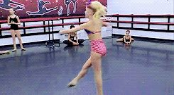 Jojo Siwa from dance moms and this is amazing I wish I could do that