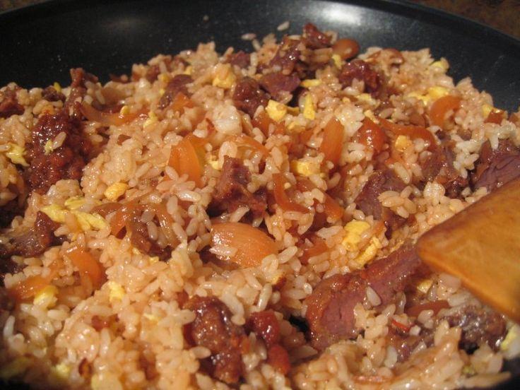 Cómo hacer arroz frito con carne   eHow en Español