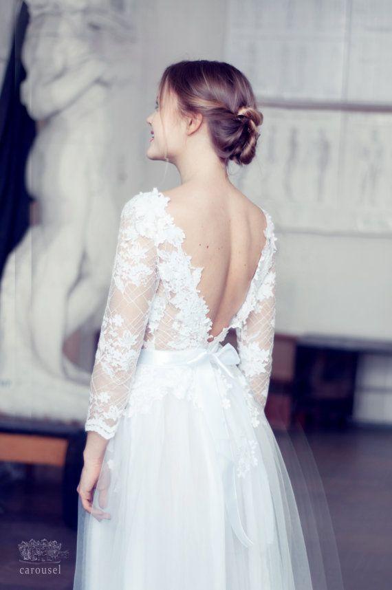 Robe de mariée dos nu et dentelle blanche - Boutique: Carousel Fashion, robe modèle Charline, Etsy - La Fiancée du Panda blog Mariage et Lifestyle