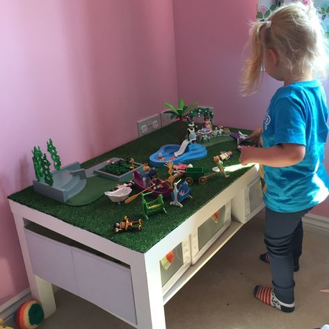 Ikea lack coffee table 39 hack 39 for little lady 39 s playmobil for Aufbewahrungsideen kinderzimmer