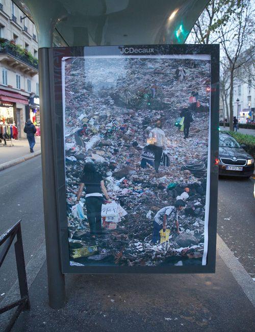Paris, artwork by Kennard Phillips