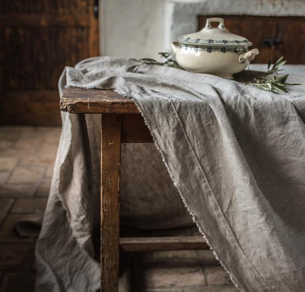 Raw Edge Linen Tablecloth In 2020 Vintage Linen Tablecloths Smooth Linen Rough Linen
