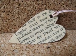 Cute crafts using old book pages or even newspapers:)