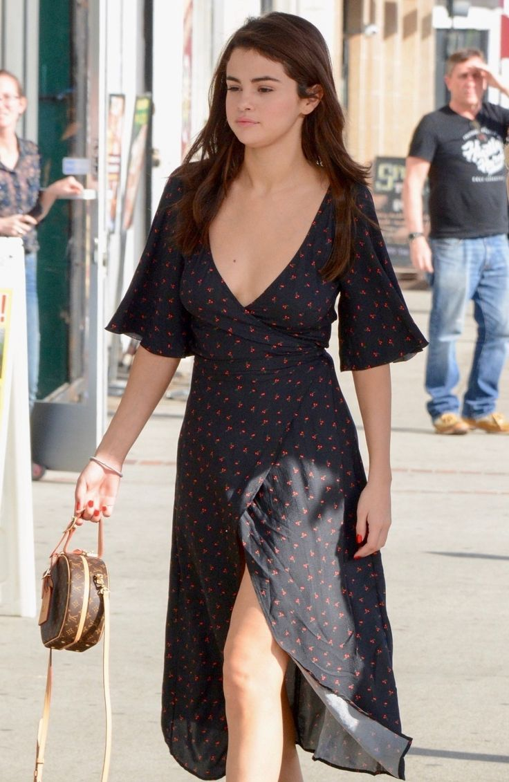 February 1: Selena out and about in Los Angeles, CA [HQs]