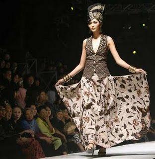 The-Advantage-of-Indonesian-Batik-Show-for-the-Existence-of-Batik-Itself-4.jpg 312×320 pixels
