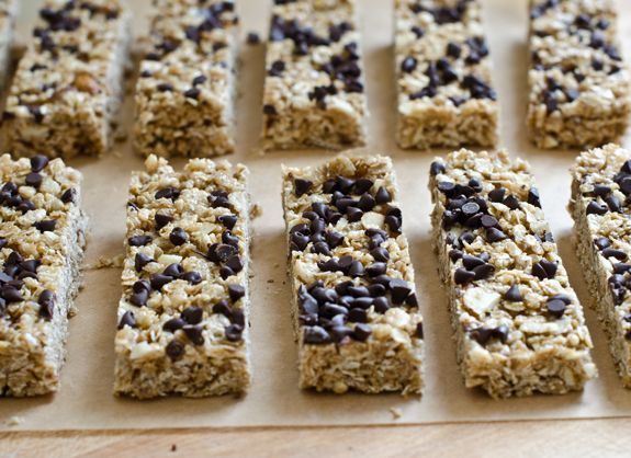 Chewy Chocolate Chip Granola Bars   (may substitute raisins, cranberries,      etc. if you prefer)
