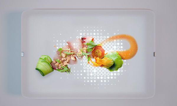 Illuminated Dinner Plates - The Light Dish Shines the Spotlight on Your Meals (GALLERY)