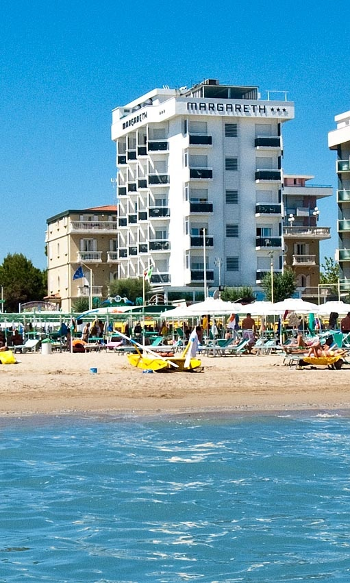 Nuova foto dell' Hotel Margareth a Riccione dal mare