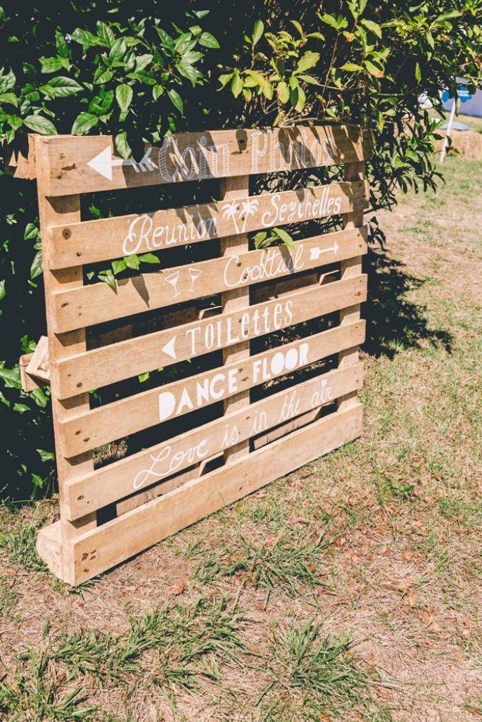 Julie et Sebastien : un mariage à la décoration champêtre pleine de détails DIY…
