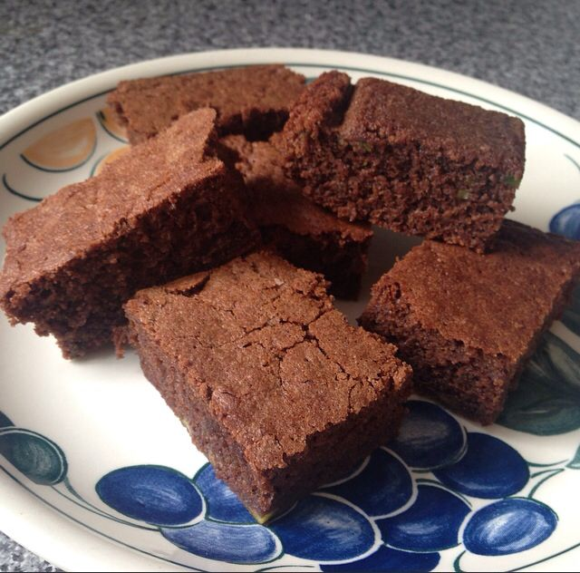 Avocado chocolate brownies http://myrumblingtum.com/2015/04/19/avocado-chocolate-brownies/