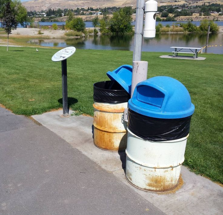 #History and #garbage collection on the #AppleCapitalLoopTrail in #Wenatchee. #trail #litter #dontlitter