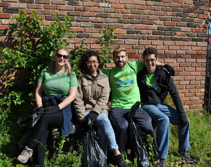 RiverSweep volunteers in the Flats