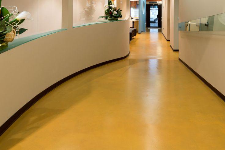 Ecco l'effetto monolitico del pavimento in resina