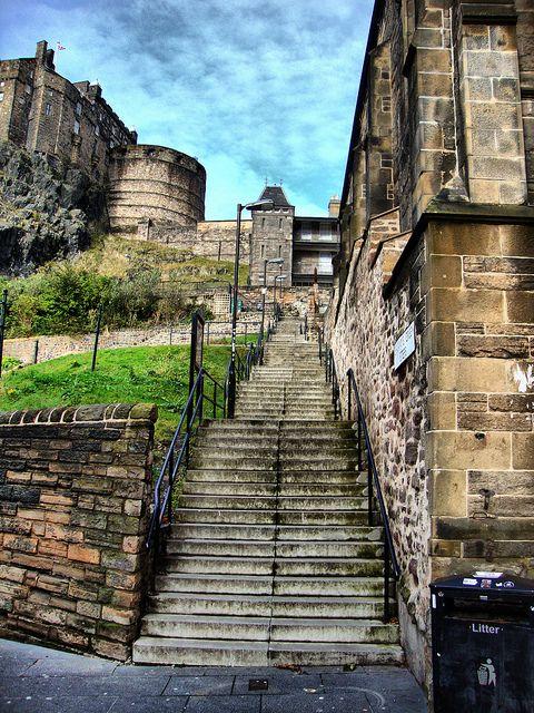 Edinburgh castle from johnston terrace steps my trip to for Terrace steps
