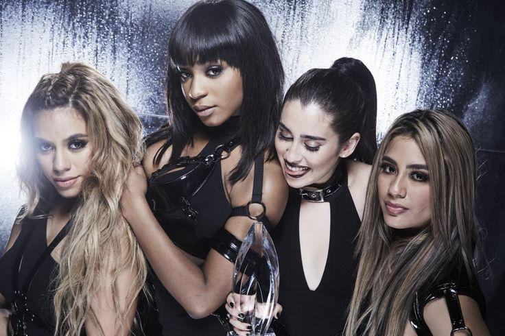 """just-a-camren-shipper: """"camren-memes: """"5hontour: """" Fifth Harmony in the CBS Photo Booth at the People's Choice Awards. """" YAS """" QUEENS """" Babies"""