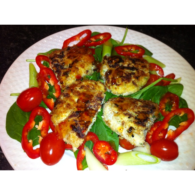 Thai chicken burgers, homemade in the thermomix, lovely quick and easy tea.