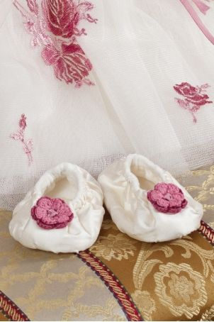 "Cute bootees for little girls, matching the ""Ileana Cosanzeana"" dress, from Petite Coco.  http://www.petitecoco.ro/shop/en/home/16-ileana-cosanzeana-bootees.html"
