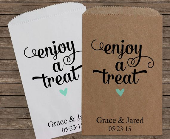 These sweet wedding favor bags are perfect for your wedding's candy buffet or you can add your own special treats. Your guests will surely