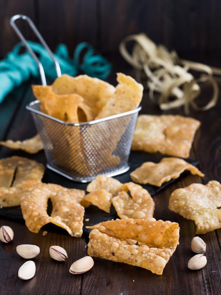 Chiacchiere salate al pistacchio - ricetta di carnevale