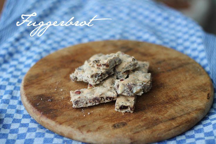Kreativfieber Leckerschmecker : Wir zeigen euch ein einfaches Rezept für Fuggerbrot. Leckere Plätzchen mit Schokolade, ganzen Haselnüssen und Rosinen!