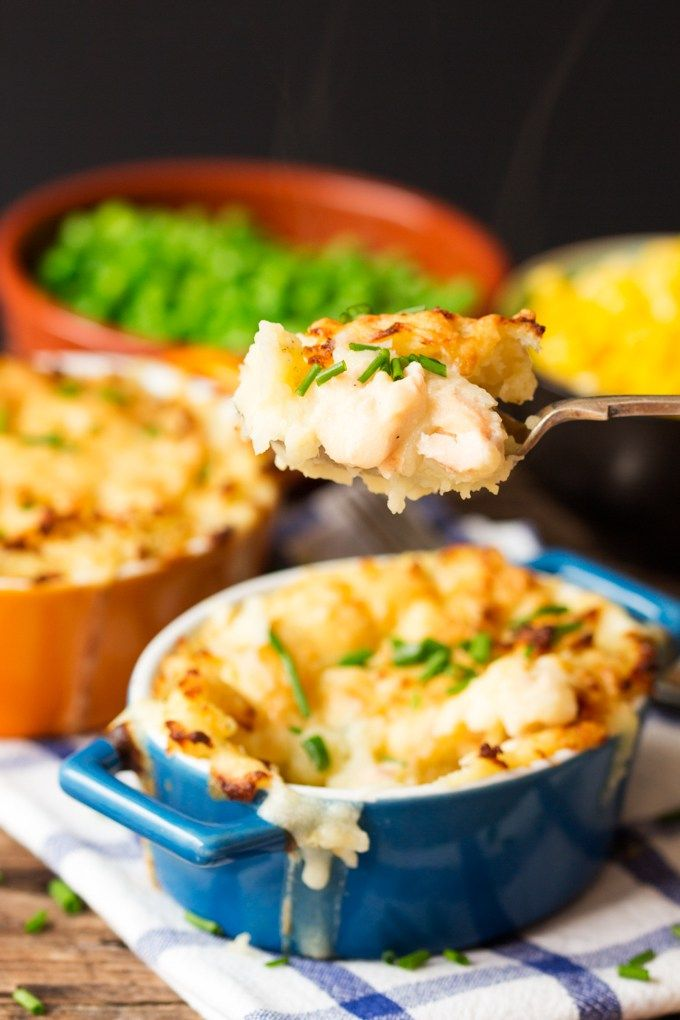 Best 25 fish pie ideas on pinterest easy fish pie for Fish dishes for dinner