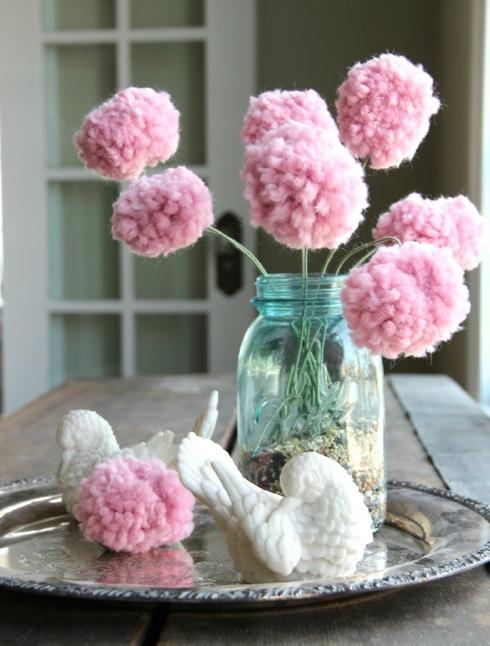 daisy-pickers:    DIY Pom-pom Boquet ♥ Found here!  Click here for more DIY inspiration!