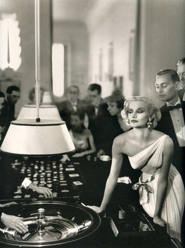 Tener aspecto de ganadora es el comienzo para no perder.  (Dress by Madame Gres 1954)