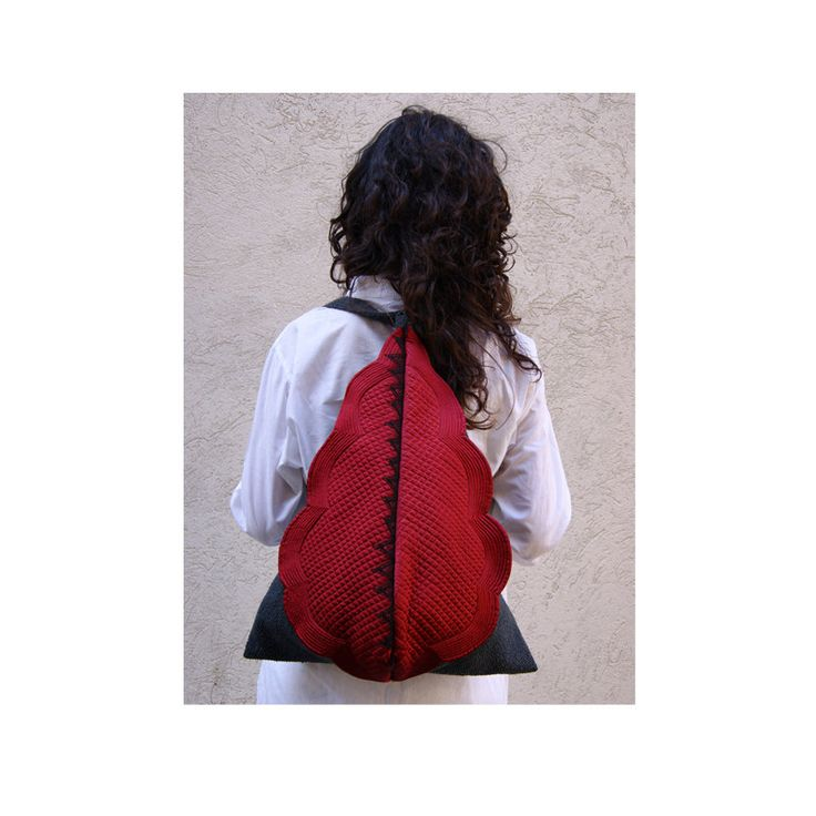 Unique and eccentric backpack! Handmade with grey cotton, red satin and black lace, by StrofediStoffa su Etsy